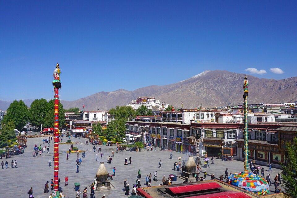 Blick auf Lhasa vom Jokhang-Tempel