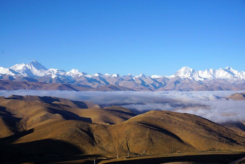 Panoramablick vom Pang-La-Pass Richtung Mount Everest und Cho Oyu