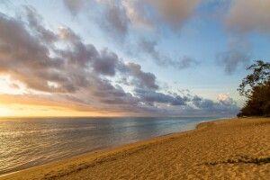 Strand am Abend im Le Nautile beach Hotel