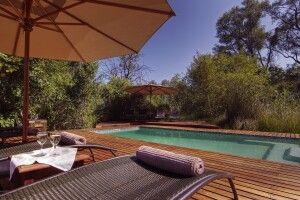 Entspannen Sie am Pool im Camp Moremi