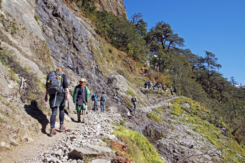 Wanderpfad nach Langtang über teils ausgesetzte Pfade