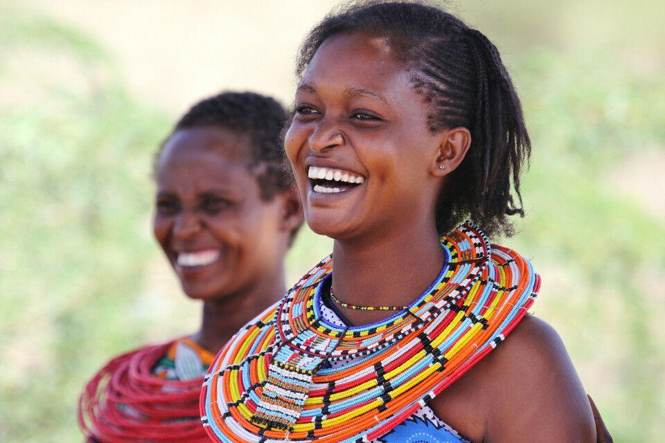 Eine Gruppe von Samburu Frauen im Samburu Reservat