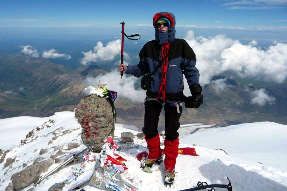 Auf dem Gipfel des Elbrus (5642m)!