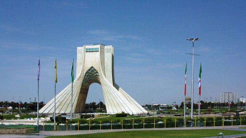 Azadi-Freiheitsturm in Teheran © Diamir