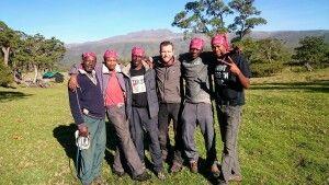 Uwe mit seinem Team am Mount Kenya