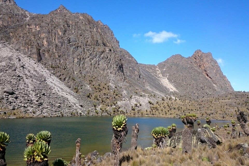 Hausberg Tarn am Mount Kenya