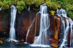 Der Lavawasserfall Hraunfossar