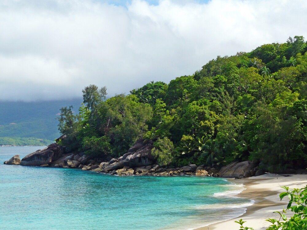 Die verschiedene Strände und Buchten auf der Insel Mahe