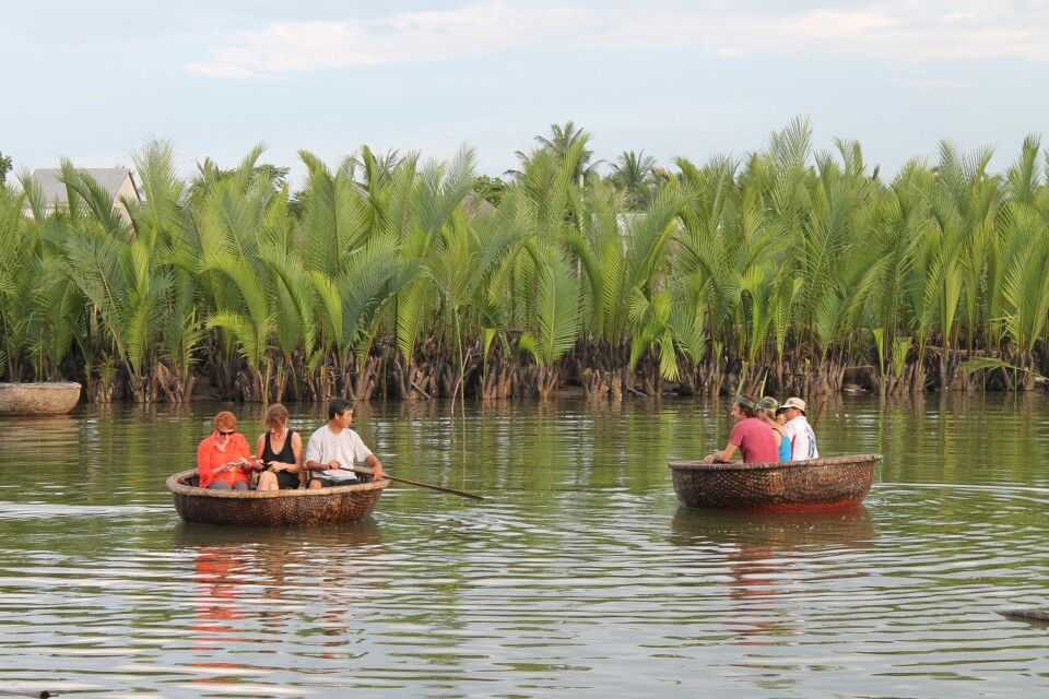 VIEFAM_2016_1HGN_unterwegs_im_Mekongdelta.JPG