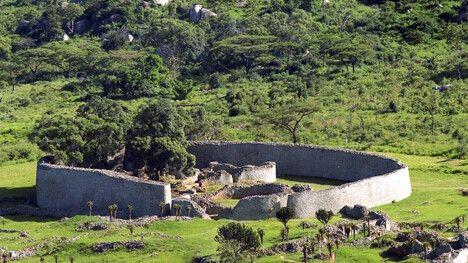 Die Great Zimbabwe Ruinen © Diamir