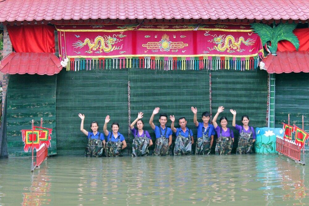 Das Team vom Wasserpuppentheater