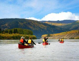 Kanus auf dem Yukon