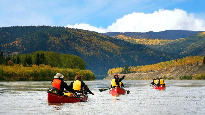 Kanus auf dem Yukon © Diamir