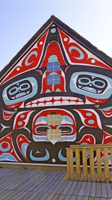 Malerei an den Hauswänden in Carcross