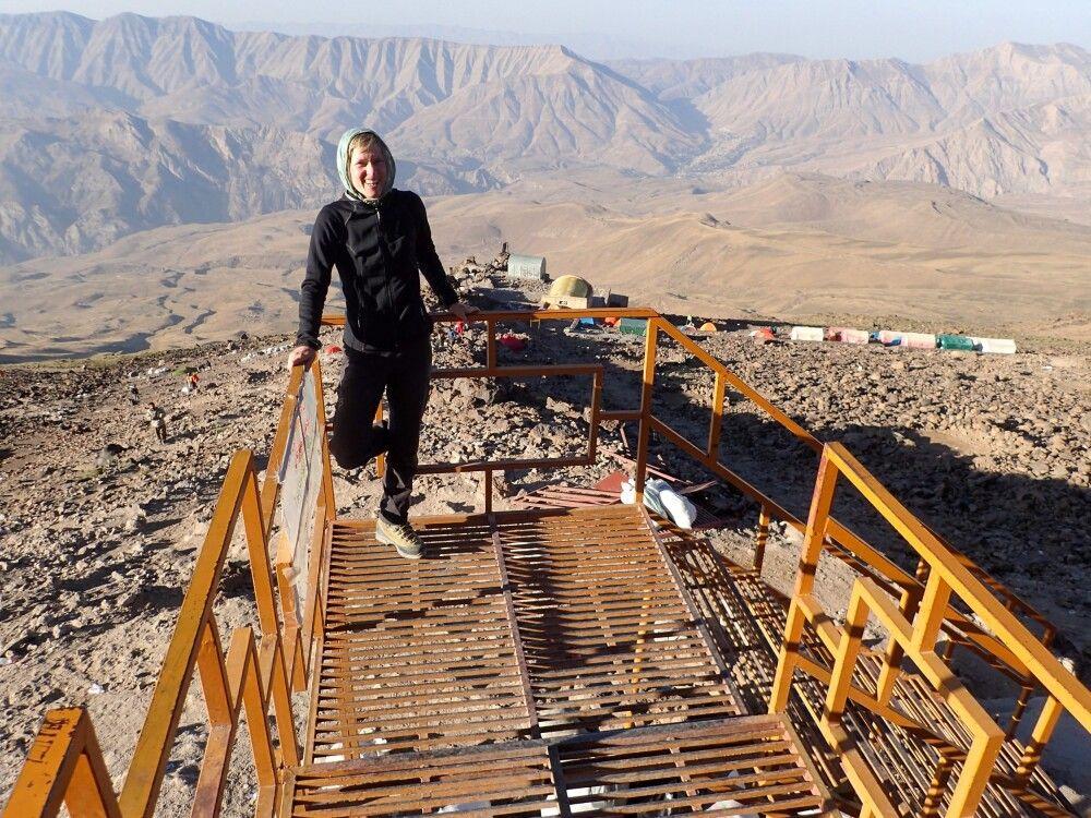 Gut gelaunt am Berg: Expeditionsleiterin Marianne Nimsch.