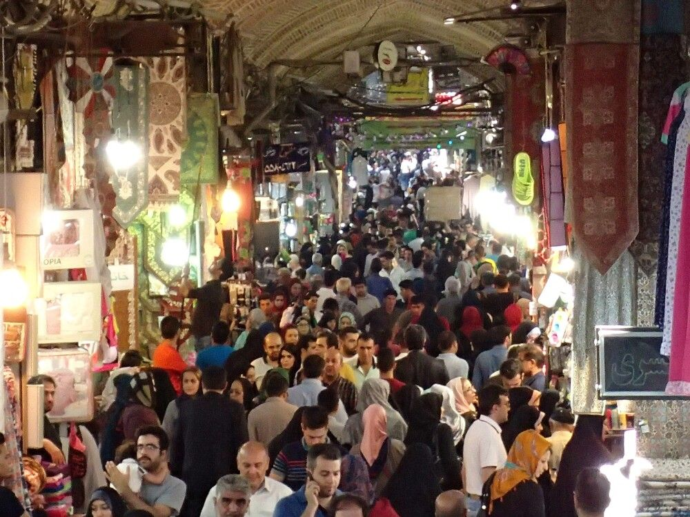 Munteres Treiben im Bazar von Teheran.