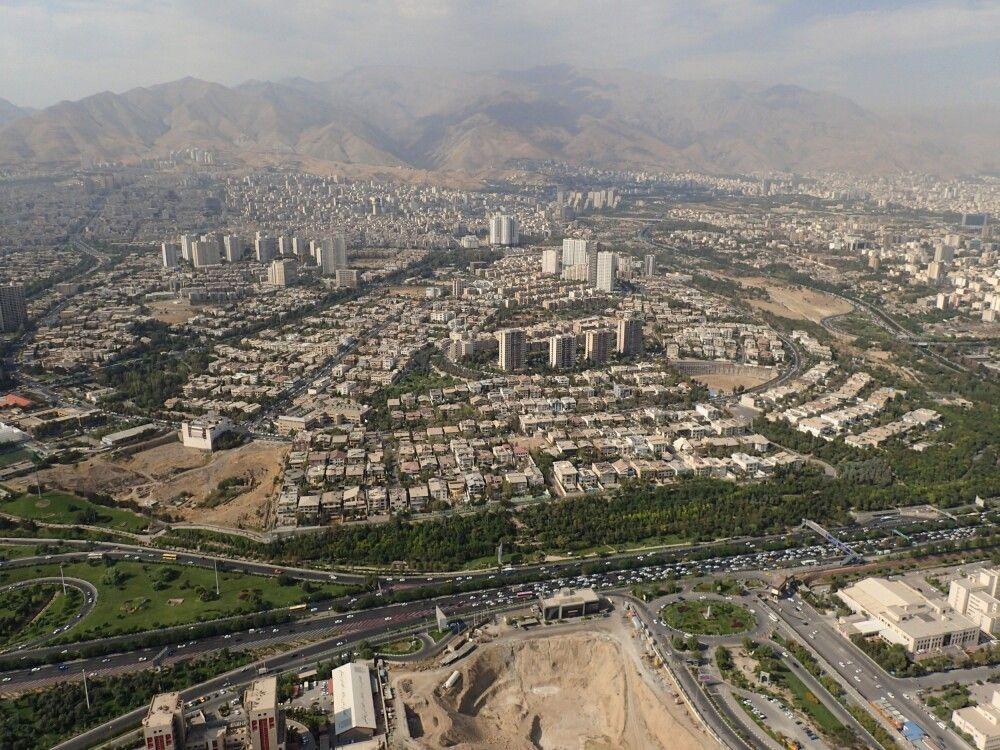 Blick vom Fernsehturm über Teheran.