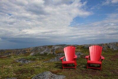 Rote Muskoka-Stühle zur Feier des Canada Day