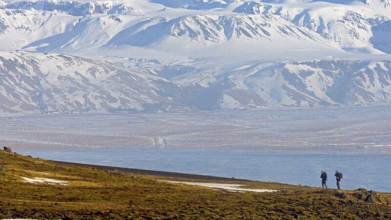 Wanderer in grandioser Landschaft © Diamir
