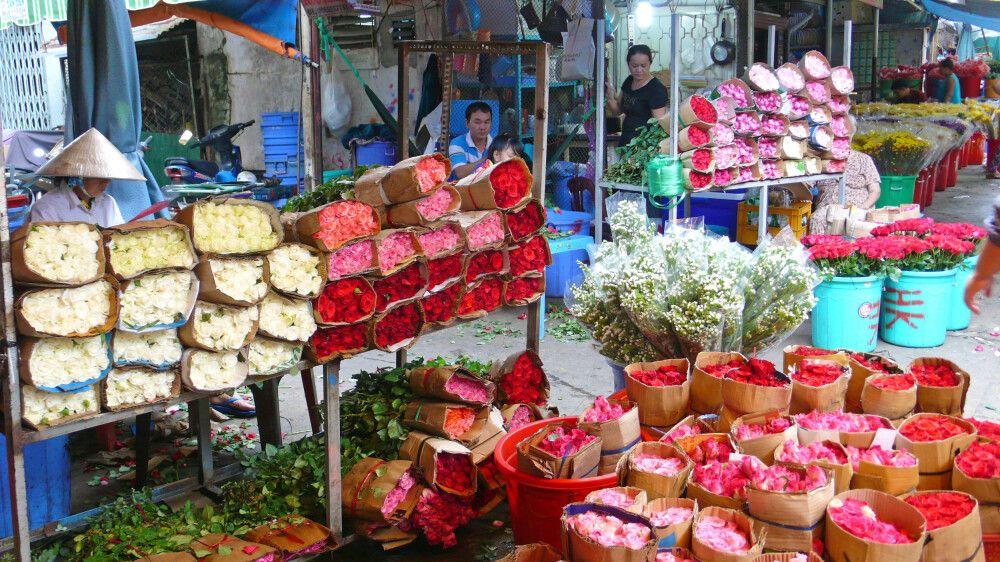 Auf dem Blumenmarkt von Hanoi