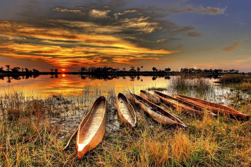 Sonnenuntergang im Okavango-Delta, Botswana
