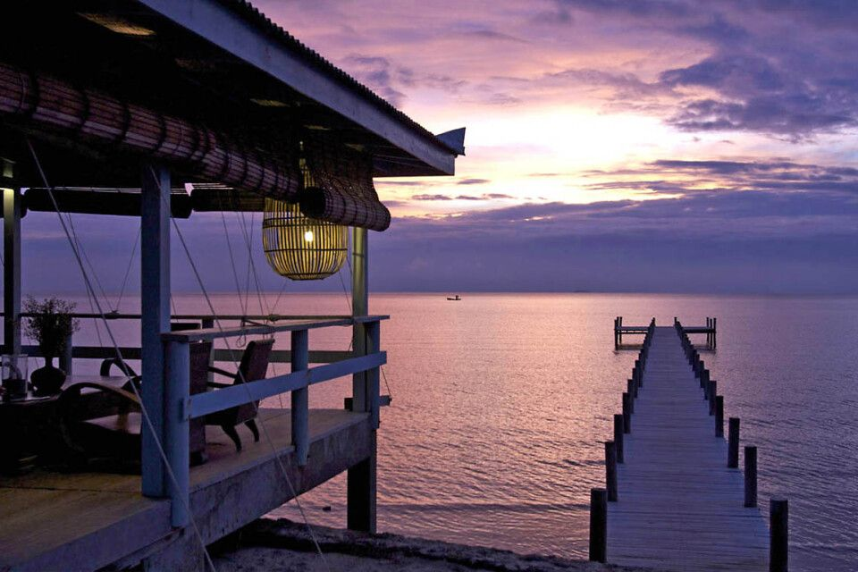 Sonnenuntergang beim Sailing Club am Knai Bang Chatt Resort