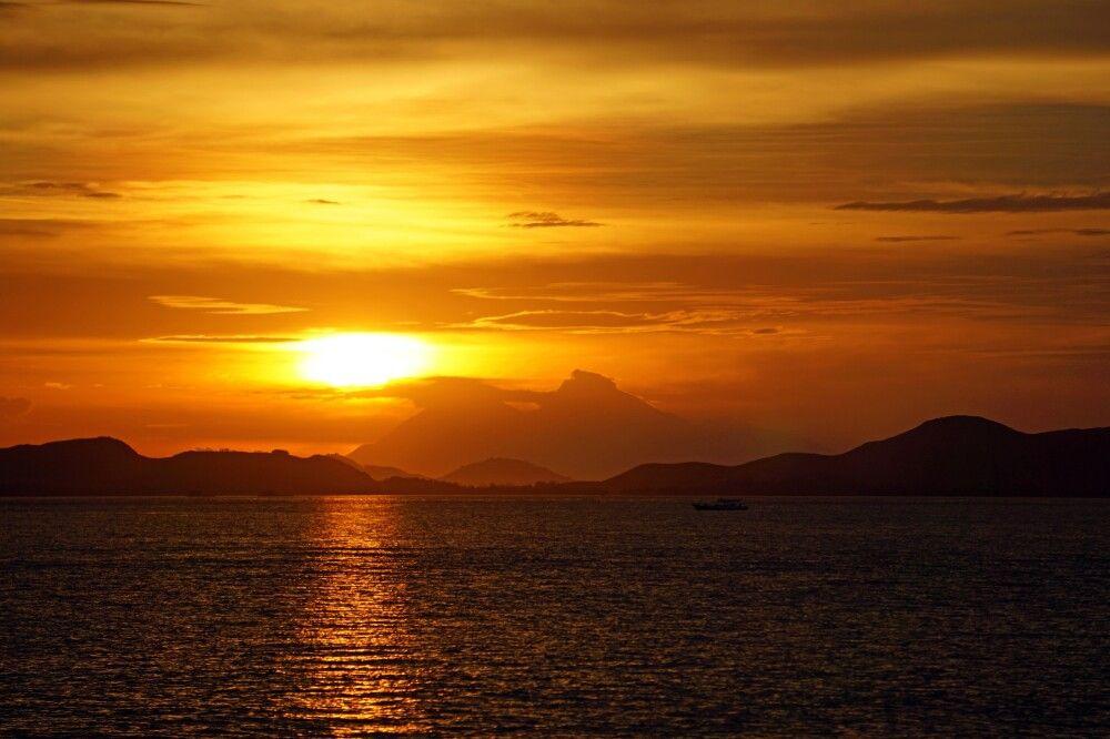 Sonnenuntergang über Sumbawa