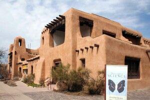 Typisches Adobe-Gebäude in Santa Fe
