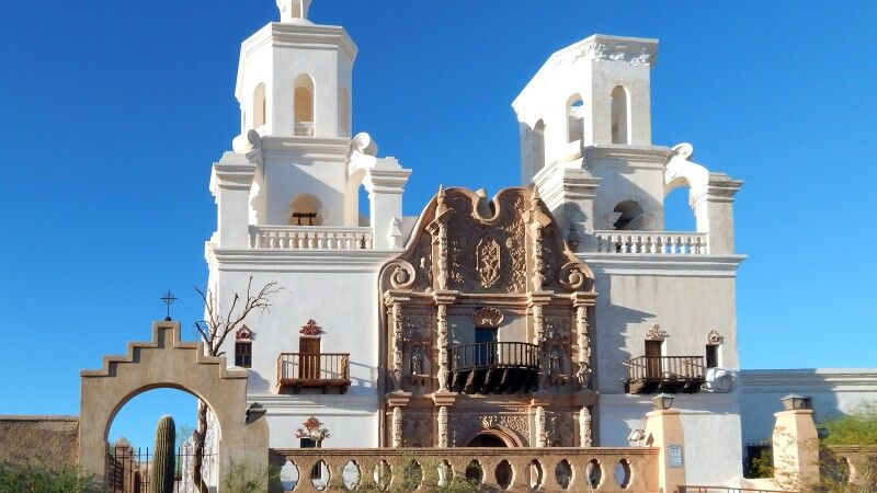 Mission San Xavier del Bac, Tucson, Arizona © Diamir