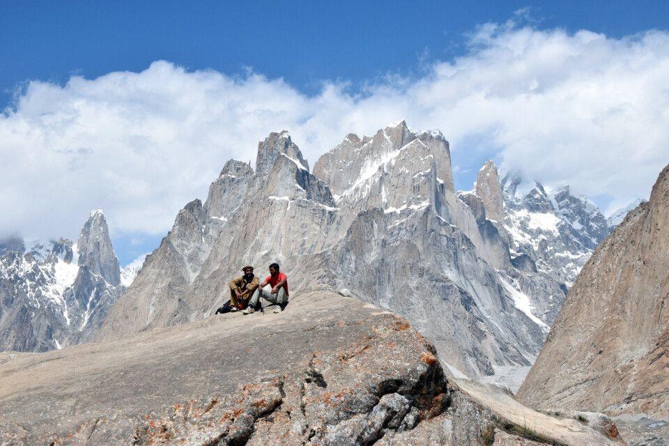 Gemütliche Pause während des Karakorum-Trekkings.