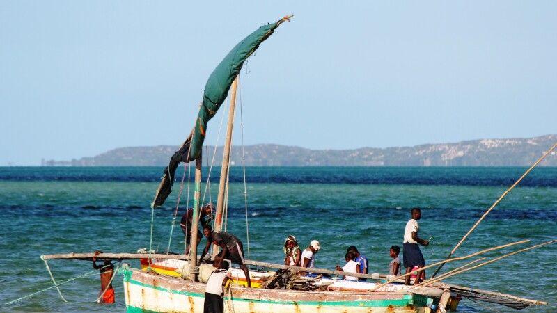 Traditionelle Dhau vor der Bazaruto-Insel, Vilankulo © Diamir