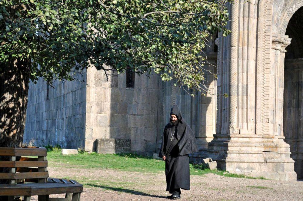 Im Kloster Tatev