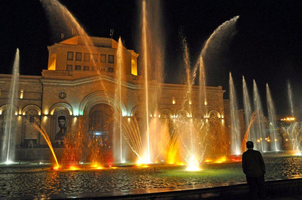 Allabendliches Wasserspiel in Jerewan