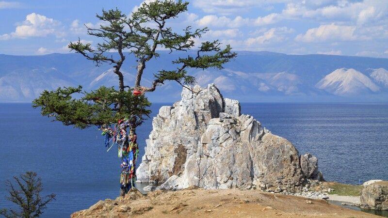 Baikal mit Schamanenfelsen © Diamir
