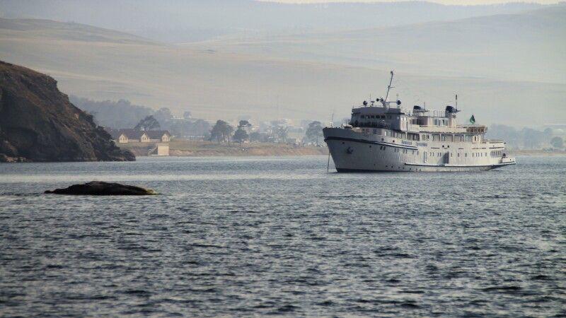 Ausflugsschiff auf dem Baikal © Diamir