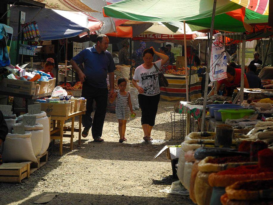 Ein Hauch von Orient auf dem Bazar von Osch.
