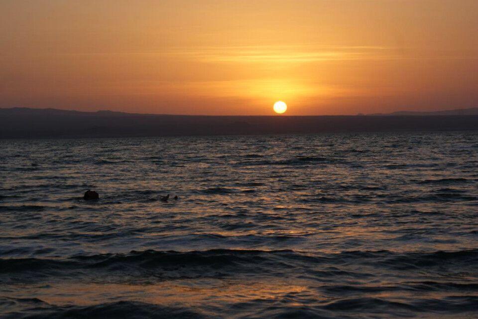 Treiben lassen auf dem Afrera-Salzsee