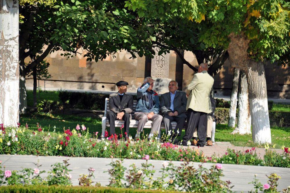 Im Park von Echmiadzin