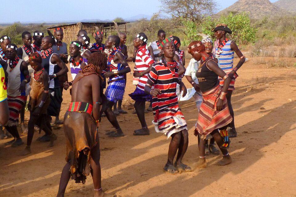 Traditionelle Tänze der Hamer