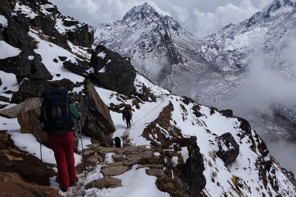 Aufstieg zu den heiligen Gosainkund-Seen