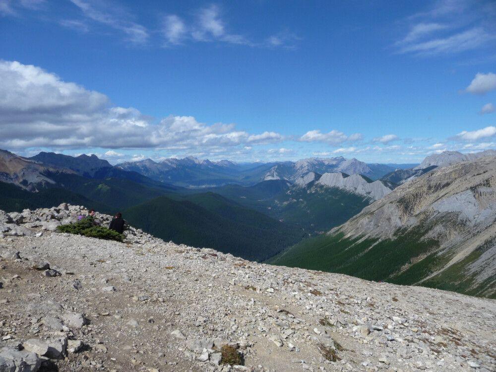 Blick vom Balt Hill auf die Berge des Jasper-Nationalparks