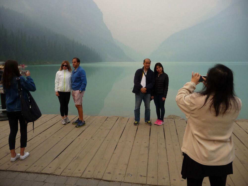 """Das """"klassische"""" Fotomotiv am Lake Louise – leicht verraucht"""