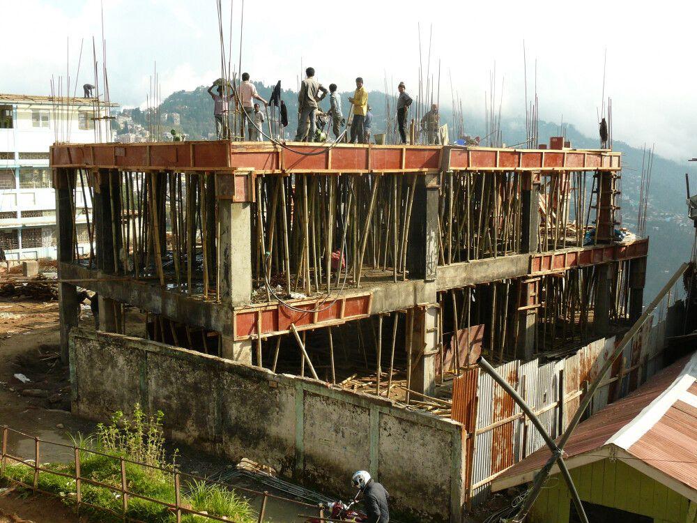 INDSIK_270315_4MBT_05_Darjeeling_Baustelle.jpg