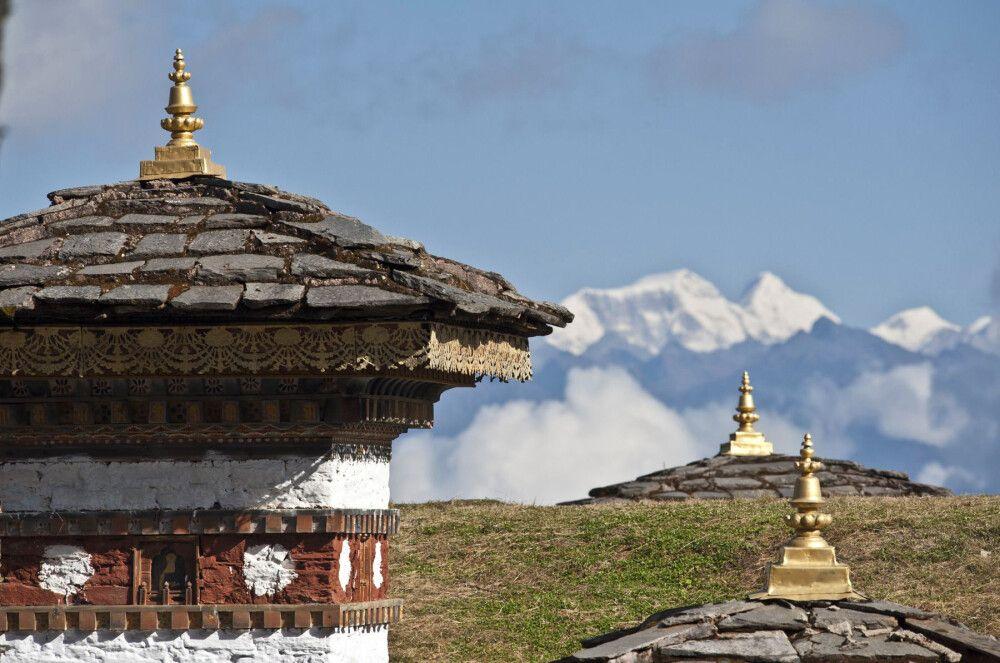 Bhutan , Dochu-La-Pass, 108 Chörten, (Thimphu-Punakha)