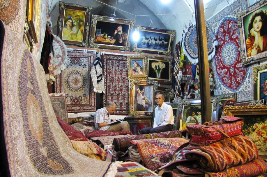 Shiraz: Teppiche auf dem Vakil-Basar
