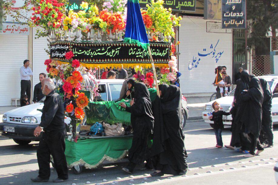 Yazd, Muharram: Trauer-Prozession