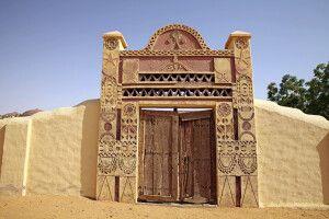 Imposantes Hoftor in Karima