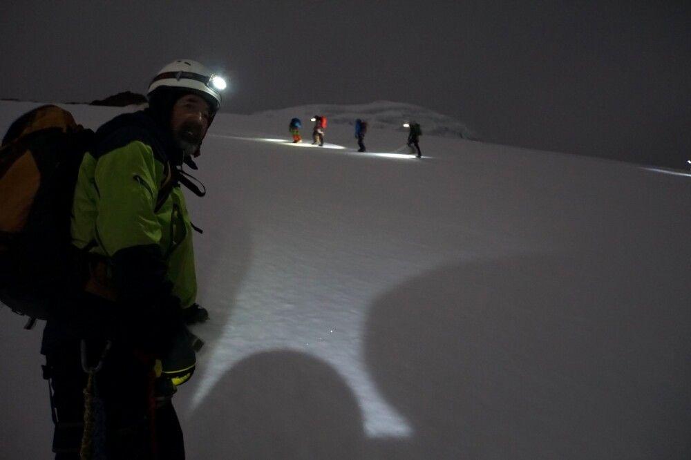 Der Gipfel des Cayambe (hier auf ca. 5000m) wird nachts bestiegen