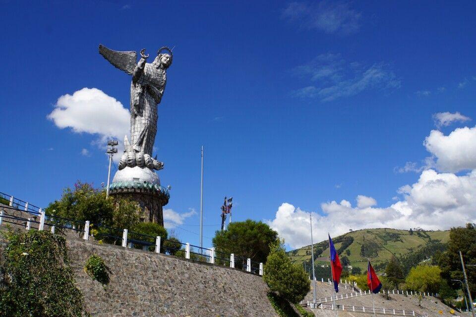 """Die """"Virgin de Quito"""" auf dem El Panecillo"""