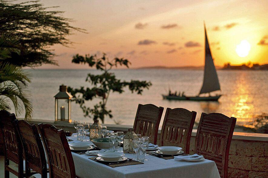 Romantische Stimmung im The Majlis Resort auf Lamu Island